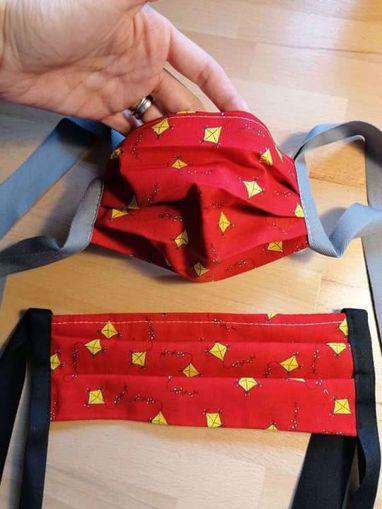 Obrázek z Rouška 100% bavlna 2-vrstvá s kapsou na filtr - šarkani